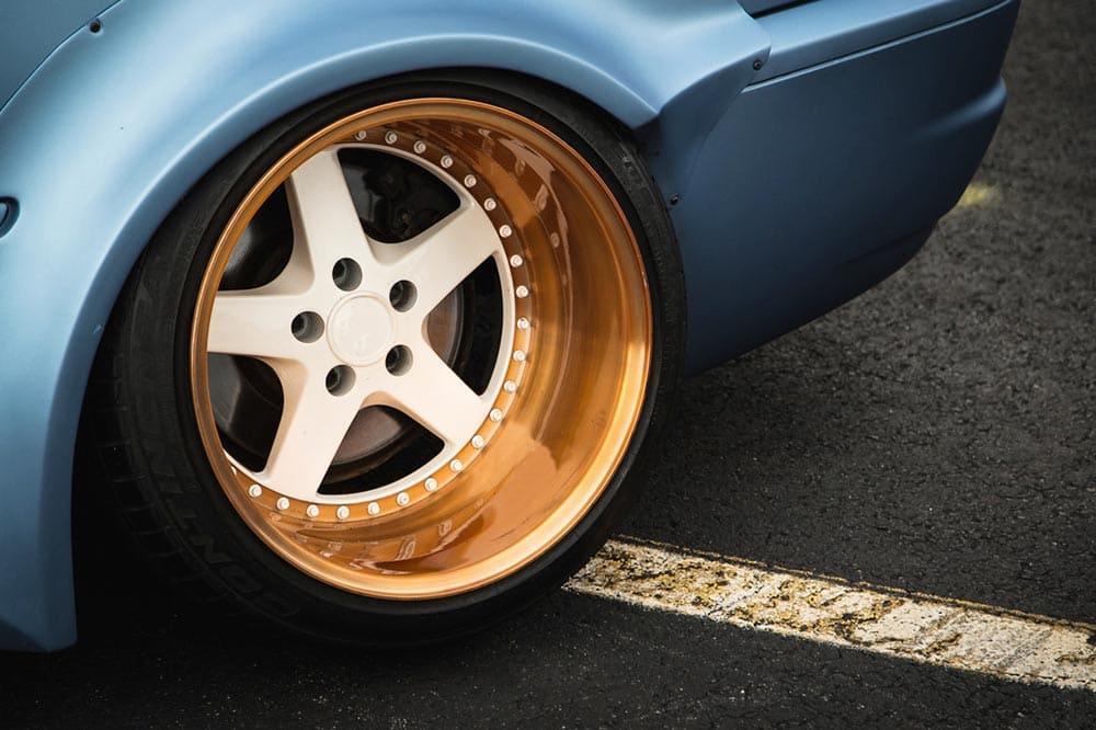 Powder coating of auto discs